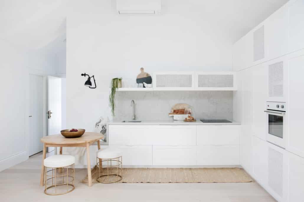 House 8 - Cottage Kitchen